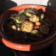 Tajine de poulet (Aubergine, courgettes,carottes, haricots...)