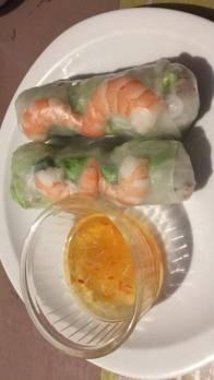 Rouleaux de printemps (Salade, menthe, vermicelles, soja, poitrine de porc, crevettes)