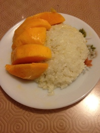 Riz gluant et mangue